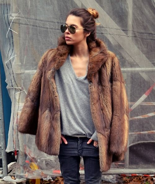 @Heather Creswell Strating this is identical to house fur!!! I'm going to start wearing it in public
