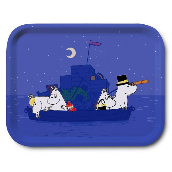Dark blue tray featuring the Moominfamily at sea in colorful details. Handmade and with illustrations by Tove Jansson. High quality wood, made in Sweden. Suitable for the dishwasher. Bringing something special to your home.
