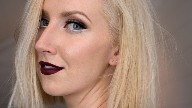 Fierce Vampy Lips & White Winged Liner Tutorial | Sharon Farrell - YouTube
