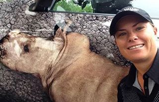 Pro women's golfer Lee-Ann Pace takes a selfie with The Rhino Orphanage Nissan Juke in support of the 'Post Your Selfie & Win' campaign. #Rhinos1st #RhinoCharity #SouthAfricanGolf #WomenGolf #RhinoConservation
