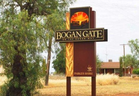 Bogan Gate Entrance Sign   Danthonia Designs