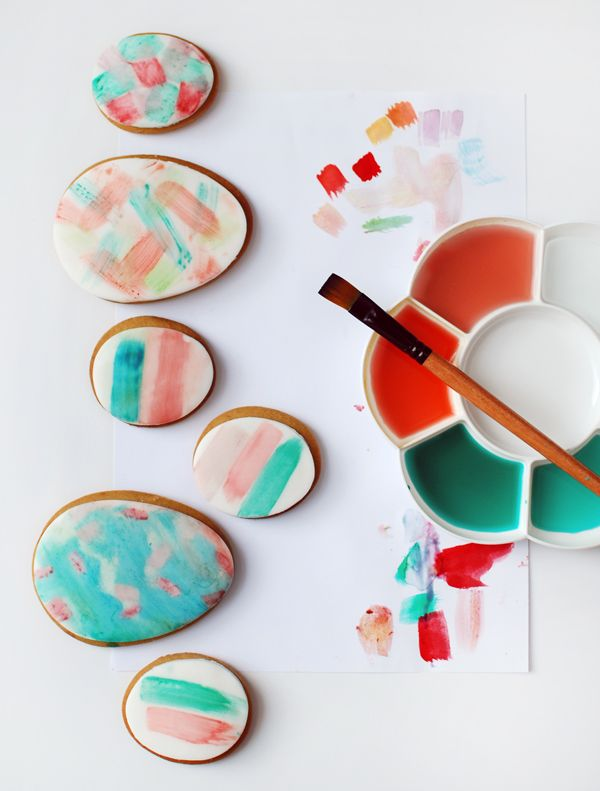 How to make gorgeous watercolour painted easter egg cookies, via We-Are-Scout.com.