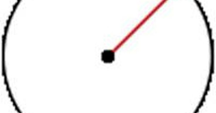Cómo calcular el radio. El radio es la distancia desde el centro de un círculo a sus bordes y es una medida necesaria para calcular otras dimensiones. Por ejemplo, el área de un círculo es el radio al cuadrado multiplicado por el valor de Pi (3.1416) y el volumen de una esfera es cuatro tercios multiplicado por el radio al cubo. Afortunadamente, el radio es fácil de ...