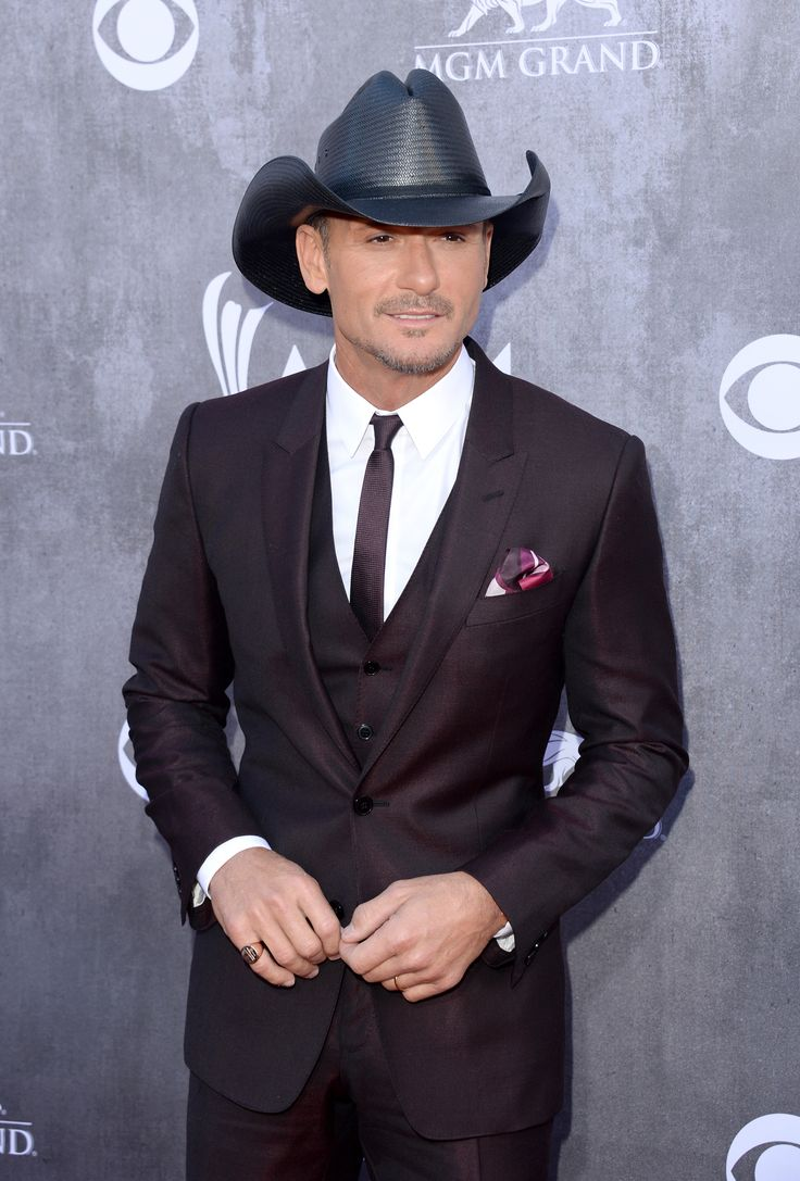 Tim McGraw, Faith Hill Marriage: Singer Chooses Family Over Music, Plus He Reveals Who Is More Famous In Home Town [VIDEO]