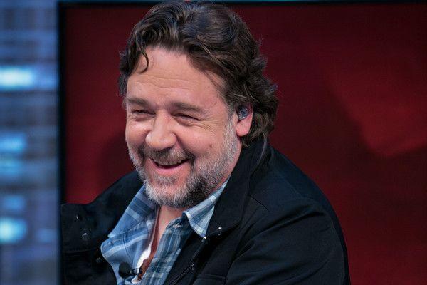 Russell Crowe Photos - Olga Kurylenko and Russell Crowe Attends 'El Hormiguero' Tv Show - Zimbio