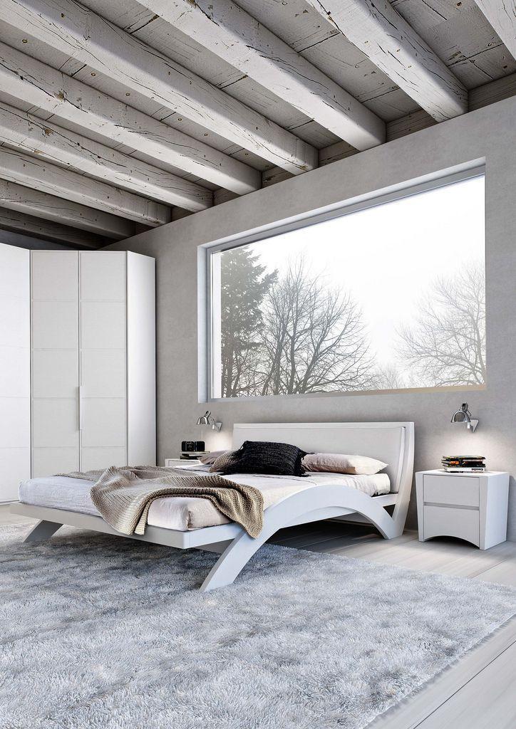 60+ идей интерьера белой спальни: элегантная роскошь (фото) http://happymodern.ru/belaya-spalnja/ Нестандартная белая спальня с огромным окном и выбеленными балками