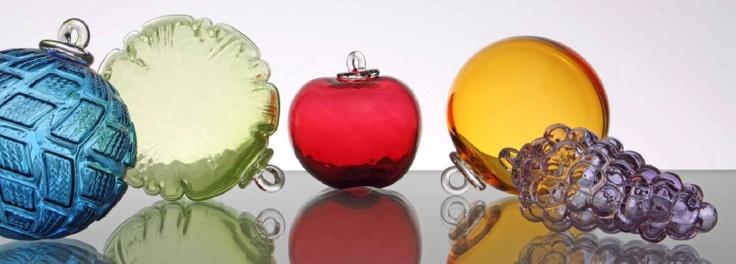 Découvrez les légendaires Boules de Meisenthal en verre. Crédit photo : Guy Rebmeister