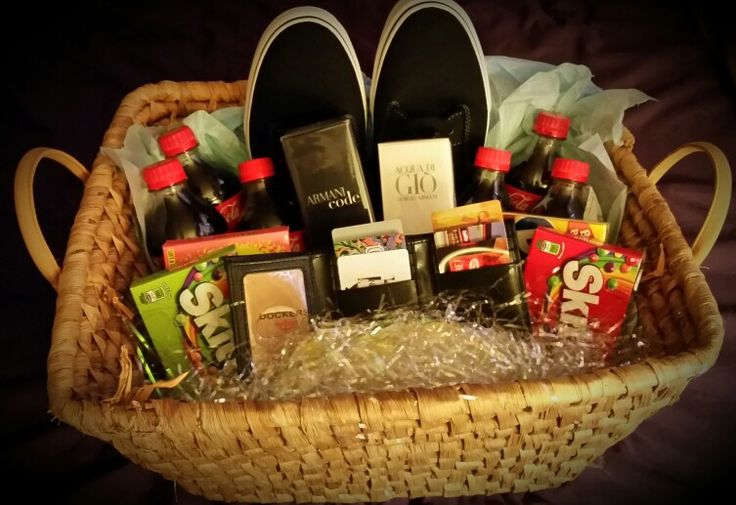 """I made a """"man basket"""" for my hubby's 30th birthday"""