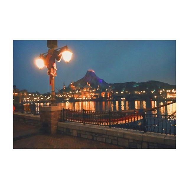 【3koki.k】さんのInstagramをピンしています。 《#disney#tokyodisneysea #15th#sea#TDS#wish#15aniversary #mediterraneanharbor #beautiful #東京ディズニーシー#海#メディテレニアンハーバー#ディズニー#夜景#followme #instagood #followforfollow》