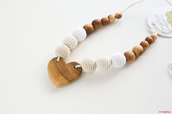 Cream Heart Nursing Necklace with Applewood Pendant - neutral colors - FrejaToys