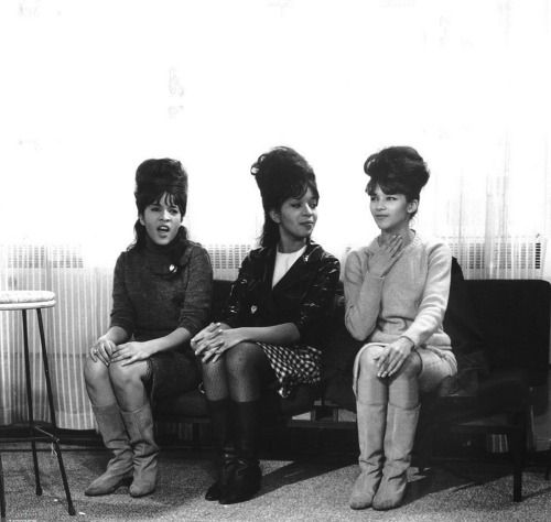 The ronettes. 65 in 2020 | The ronettes, Sixties, Ronnie ...