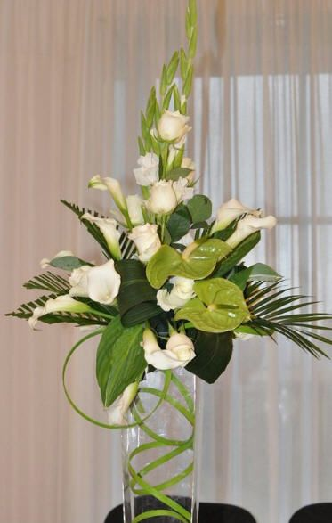 Tall Green Centerpiece 2017 Wedding Trends Easter