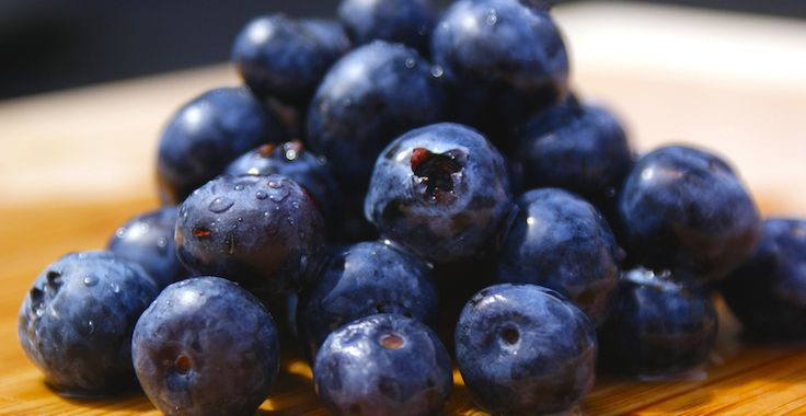 Blueberries are an amazing fruit, both in terms of flavour and their incredible nutritional profile. They're jam packed with antioxidants - polyphenols, cate...