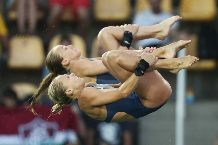 Tonia Couch and Lois Toulson tuck dive at Rio 2016  (5472×3648)