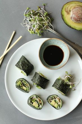 Vega komkommer sushi met avocado, Vegetarische sushi, Gezond avondeten, Sushi recepten zonder rijst, Vegetarische recepten, Beaufood recepten, Slank avondeten, Gezonde foodblogs, Lekkere en gezonde recepten