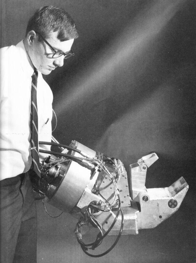 Aller Anfang ist schwer: Vintage Cybernetic Lobster Arms