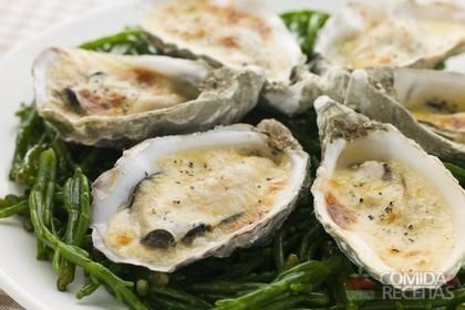 Receita de Ostra gratinada em receitas de crustaceos, veja essa e outras receitas aqui!