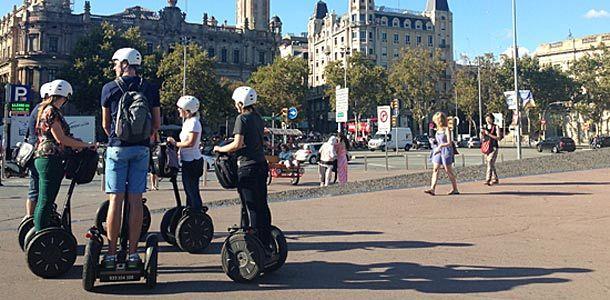 Apua Barcelonan matkan suunnitteluun löytyy näistä kirjoista. http://www.rantapallo.fi/matkakirjat/suunnitteletko-matkaa-barcelonaan-lue-nama/