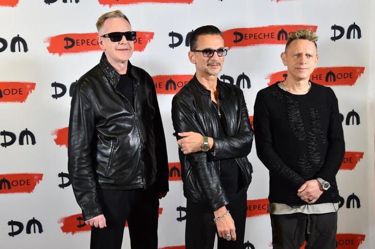 """(AFP) - Le groupe Depeche Mode a annoncé mardi à Milan le lancement en 2017 d'un nouvel album baptisé """"Spirit"""", assorti d'une grande tournée qui commencera le 5 mai à Stockholm.    Cet album, attendu début 2017, sera le quatorzième du groupe..."""