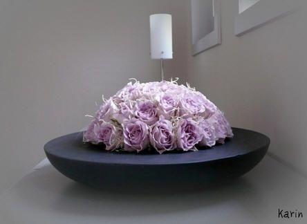 Bloemsierkunst moederdag met rozen - roze rozen als bloemstuk verwerken voor op tafel