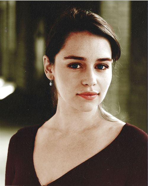 Emilia Clarke. What a beauty.