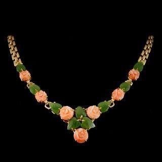 Ожерелье из нефрита и розового коралла