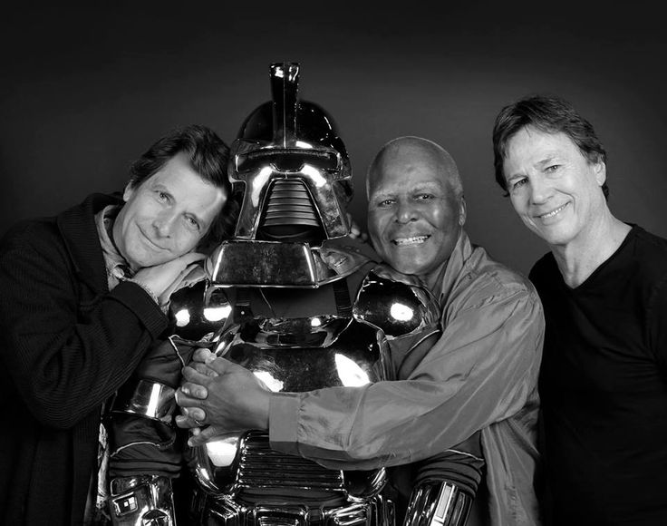 Great shot of Richard, Dirk Benedict and Terry Carter. Oh ...