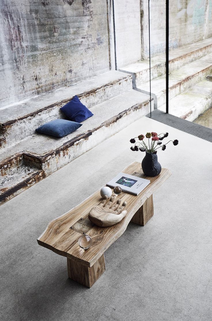 Benches are always beautiful in the home decoration.