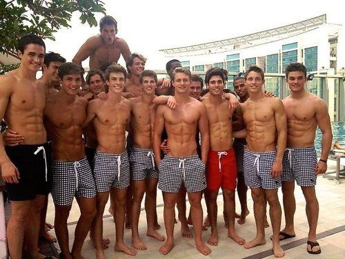 tumblr_mag335ZnF21rrnu73o1_500.jpg (500×375) Dear GAWD. I completely just forgot how to swim....... *swoon*