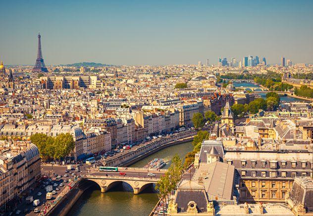 Paris, cidade luz. Visão panorâmica de Paris. Torre Eiffel.