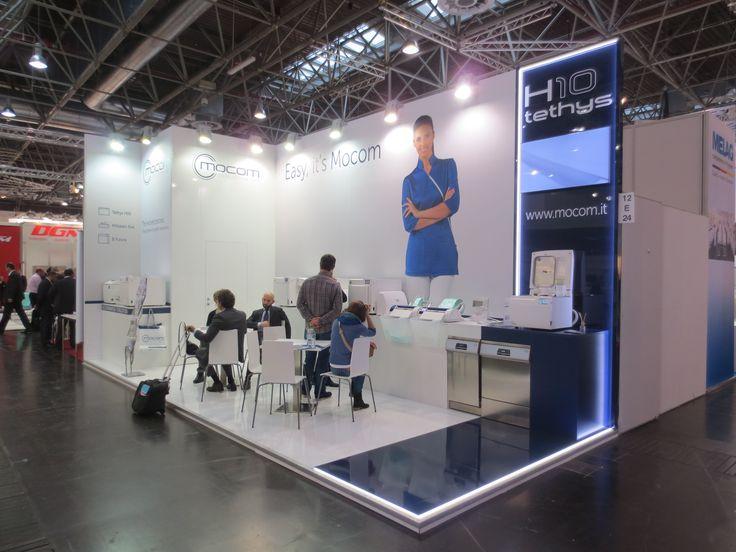 MEDICA - Messe Düsseldorf. MOCOM. Ricerca, analisi, promozione e comunicazione. Progettazione e realizzazione dell'allestimento dello stand. Photo by honegger