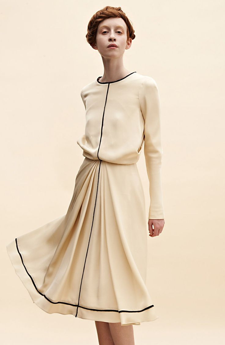 edeline lee    omggg i love everything about this dress//simple but not too simple