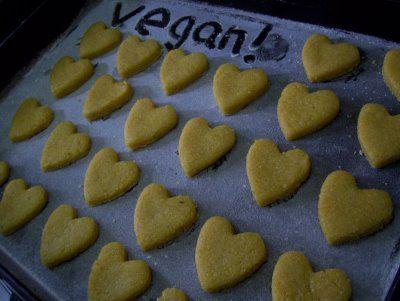Recetas Veganas  GALLETITAS DE POLENTA  Ingredientes    -200 gr de polenta  -100gr de harina  -80 gr de azucar integral  -ralladura de naranja  -1/6 taza de aceite  -un poquito de agua