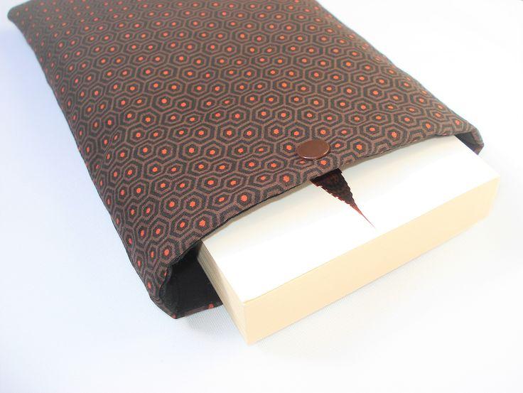 housse pour livre de poche pochette poche pour livre housse de protection livre. Black Bedroom Furniture Sets. Home Design Ideas