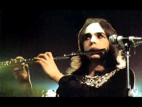 Genesis - Carpet Crawlers (Live 1974) Genesis Live at the Palace Theater in 1974 for The Lamb Lies Down on Broadway Tour --- Line Up:  Peter Gabriel - Vocals, Flute  Steve Hackett - Guitars  Mike Rutherford - Bass, backing vocals  Tony Banks - Keyboard  Phil Collins - Drums