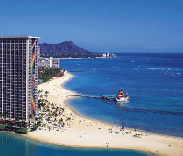 All About the Hilton Hawaiian Village Waikiki Beach Resort: About.com Rating - 5 Stars