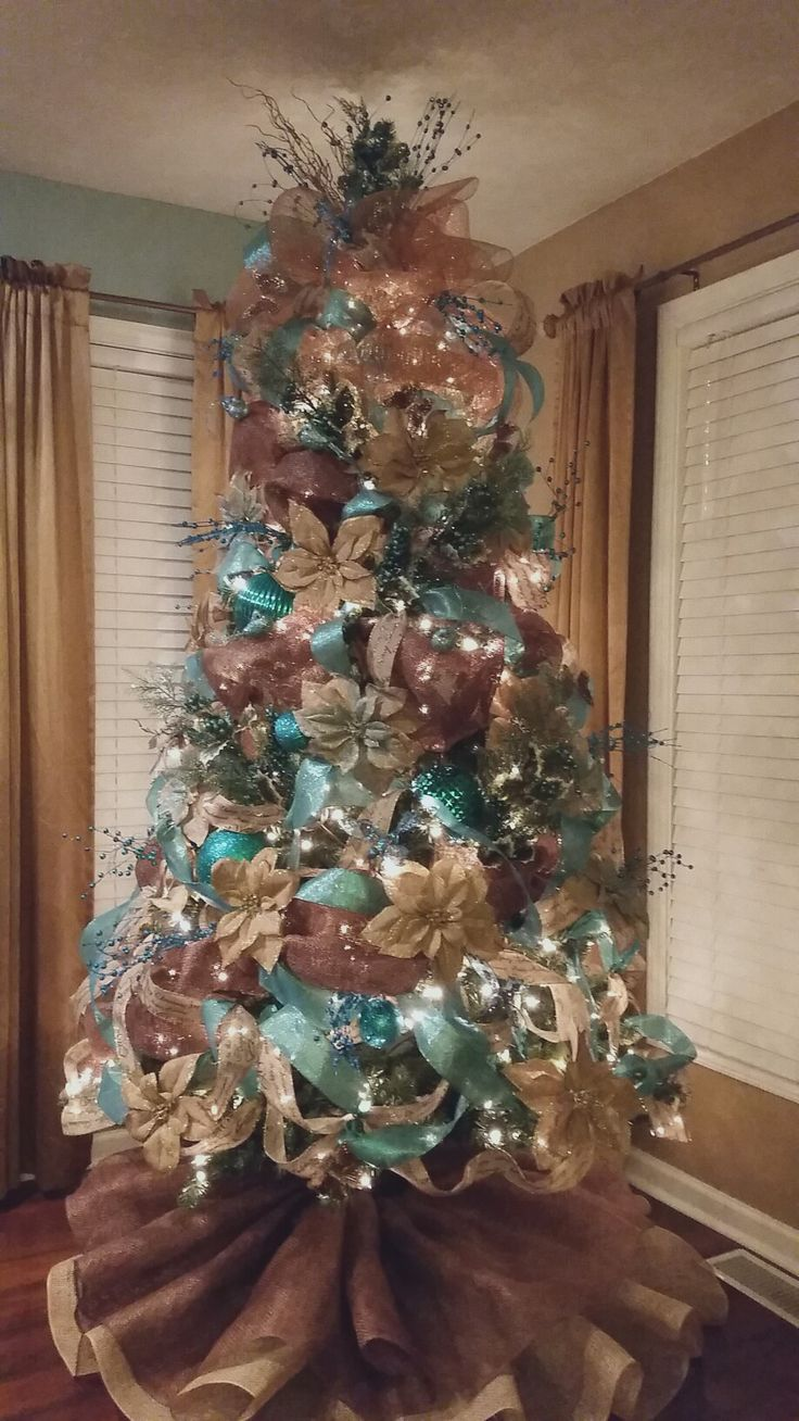 Simple christmas bedroom decor with joy pillow. Teal, gold and Burlap Christmas Tree. Make and easy and