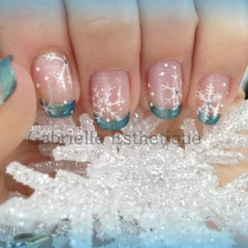 Snow Flakes Nail Art // Nail Art Flocon de neige
