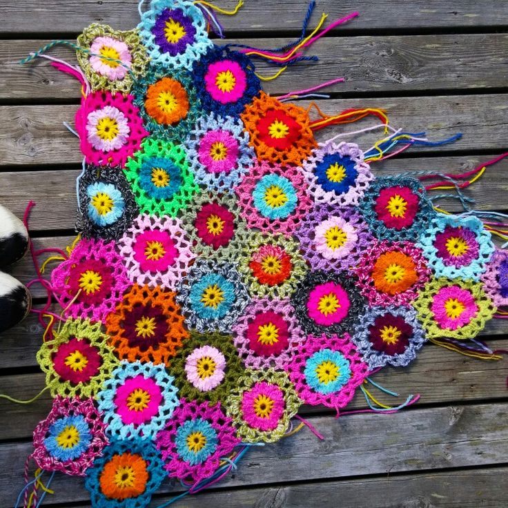 Crocheted flowers from Allers Handarbetsbok.