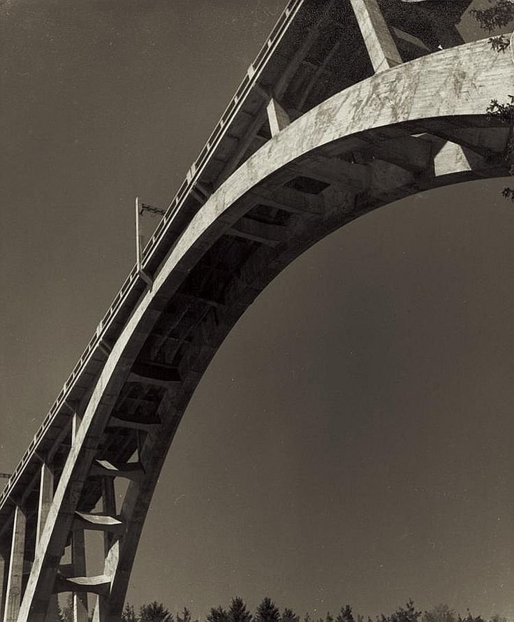 Lauschmann, Jan: Bridge Arch; Prague in Winter