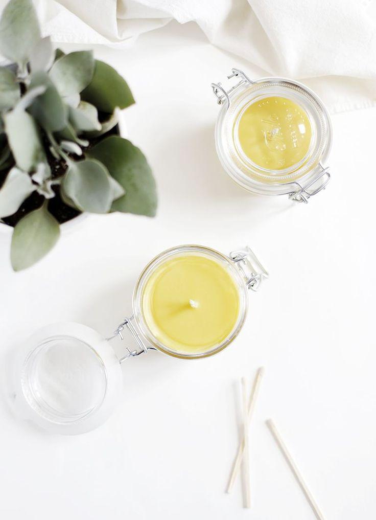 DIY Bijenwas & kokosnootolie kaarsen. Natuurlijk én makkelijk zelf te maken! // via The Merry Thought
