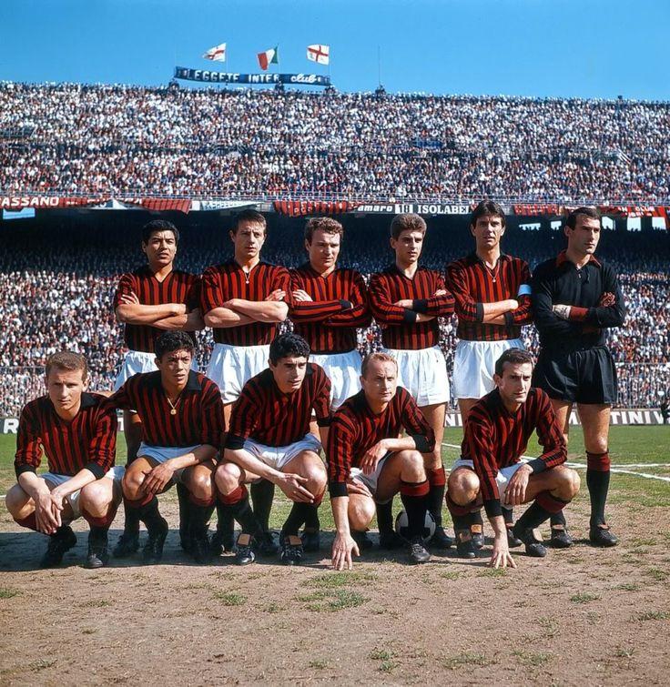 1964 AC Milan - Víctor Benítez, Gilberto Noletti, José Altafini, Gianni Rivera, Cesare Maldini, Dario Barluzzi Giovanni Trapattoni, Amarildo, Bruno Mora, Ambrogio Pelagalli, Giovanni Lodetti.