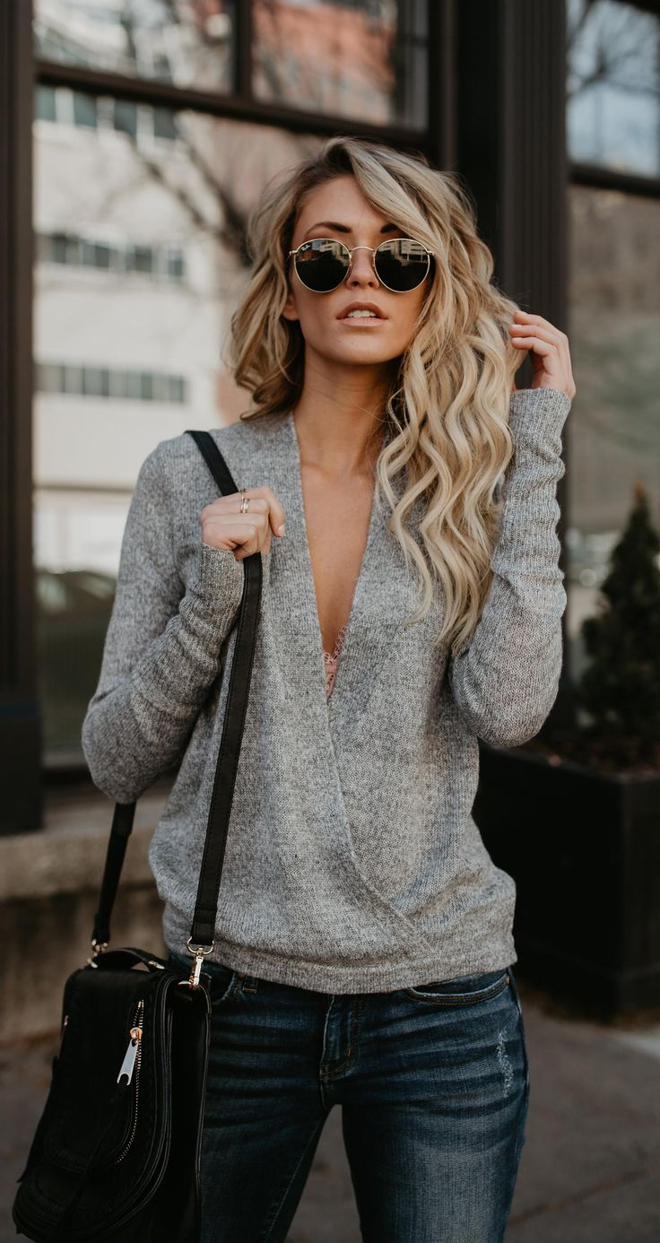 $35.99! Stylish Deep V Neck Solid Color Loose Sweater