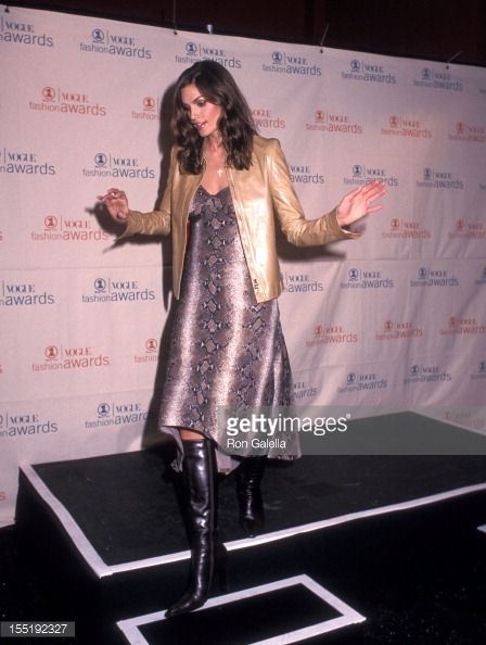 Model Cindy Crawford attends the 1999 VH1/Vogue Fashion Awards on December 5, 1999 at 69th Regiment Armory in New York City.