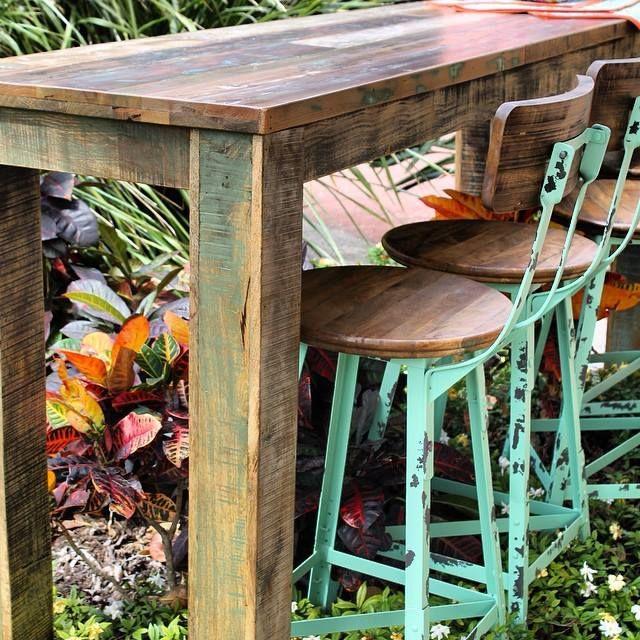 The Salvar Bar Table