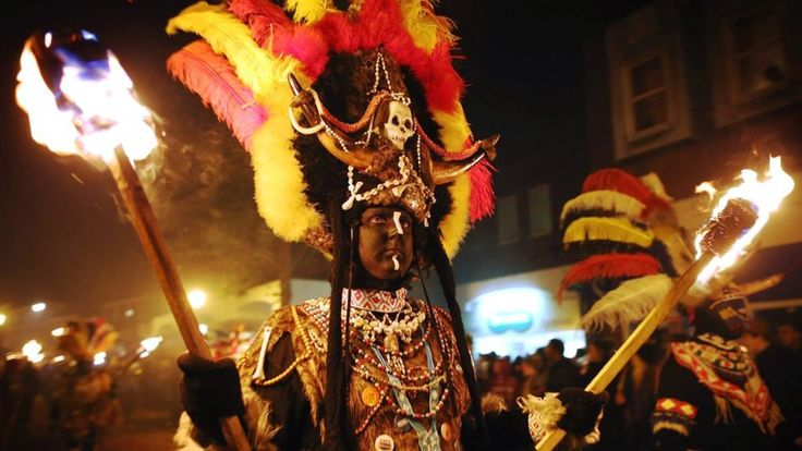 Lewes Bonfire night parade's 'racist' costumes to be axed - BBC News