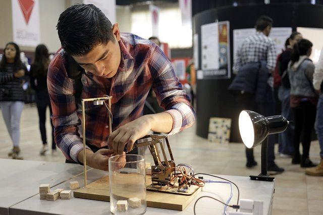 Universidad Ibero y 40 empresas desarrollan proyectos tecnológicos