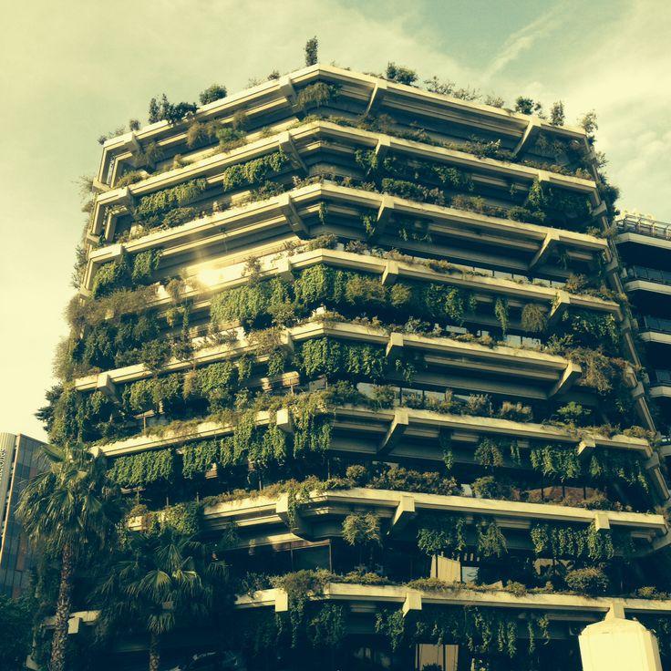 Abitazione plurifamiliare , carrer Carles III n.60 . Barcelona