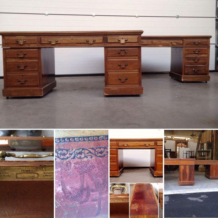 paire de bureaux à caissons tiroirs  tirettes laterale bois acajou .XIX. siècle