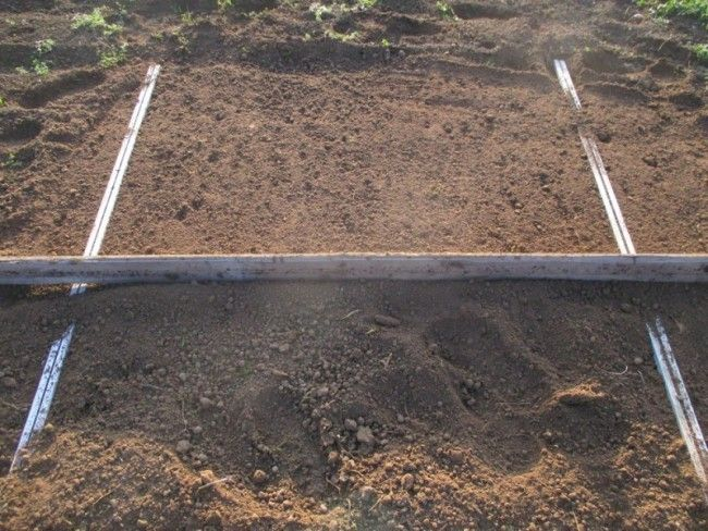 Les 25 meilleures id es de la cat gorie semer pelouse sur pinterest semer une pelouse semer - Niveler un terrain pour pelouse ...